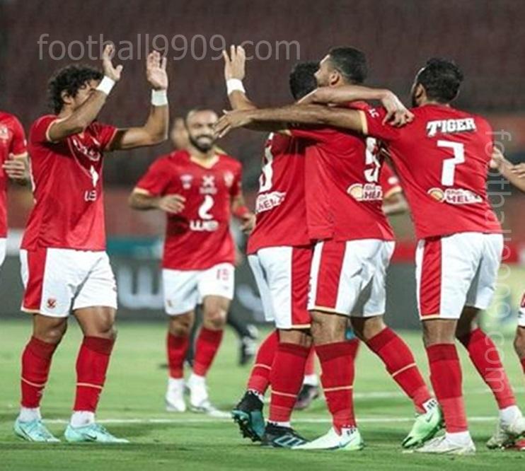 النادي الاهلى يجتمع بالمدير الفنى للفريق موسيمانى بسبب اداء الفريق